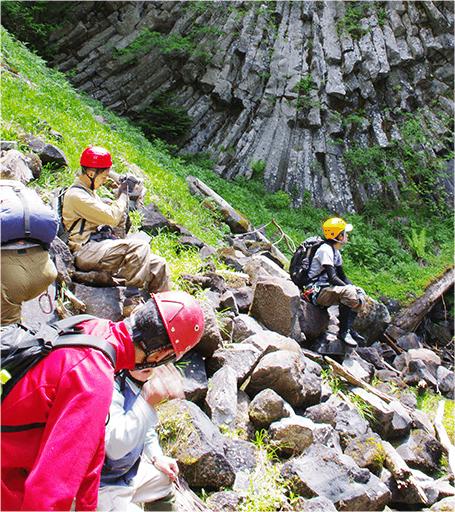 散策を楽しむにはまず、安心と安全から。飛騨の森ガイドのメンバーは、皆様の散策を最高なものにするべく日々努力し、最上級のの安心・安全をご提供しております。